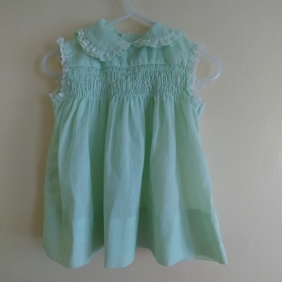 0f309122f84d Sweet POLLY FLINDERS Hand Smocked Dress. M_5b0812efa44dbe1338cb3867